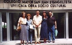 De Izquierda a derecha Esperanza Riesgo, Elsa Rodríguez Vázquez, Ismael Gil, Patricia Kesselman, Josep Luis de Argila en el Congreso Astrológico de Madrid 2001.