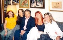 En casa con los astrólogos (de izquierda a derecha): Elsa Rodríguez Vázquez moderadora de la lista Ptolomeo, Victoria Zaín, Hugo Bonito, Patricia Kesselman y Dra Bijou Urbina.